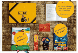 Carte cadeau à offrir pour box littéraire Kube pour enfants de moins de 12 ans pour fêter Noël de manière écologique et zéro-déchets